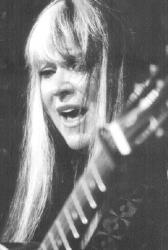 Popular '70s singer Melanie will perform at Monmouth University's Pollak Theatre, West Long Branch, on Saturday.